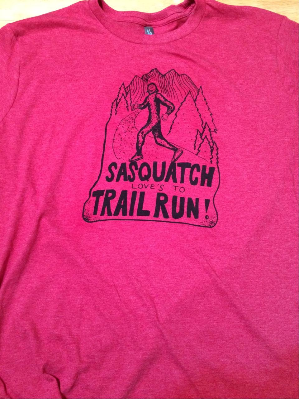 Mens Sasquatch loves to Trailrun tee shirt